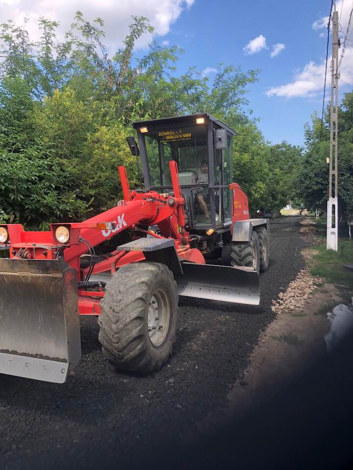 Se reabilitează străzile la Biled