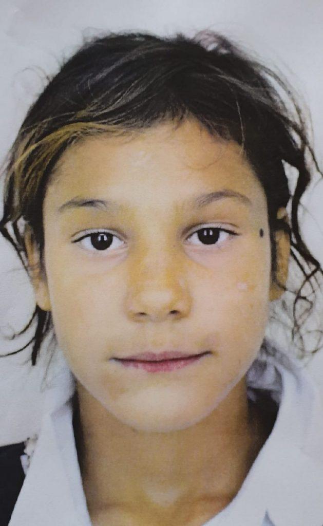 O fată de 9 ani dată dispărută, căutată de Poliţie