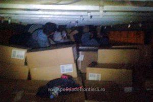 Zece irakieni, depistați la Nădlac ascunşi într-o semiremorcă