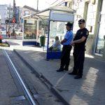 Poliţişti locali şi jandarmi, înjuraţi de cei care circulă fără bilet