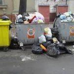 Mii de timişeni au rămas cu gunoiul la uşă. Controale la cererea prefectului