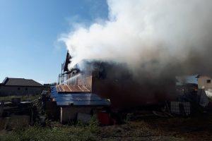 Focul a mistuit anexa unei gospodării din Săcălaz