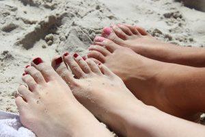 Problemele unghiilor se rezolvă la dermatolog