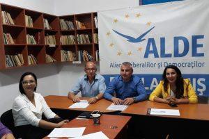 """ALDE Timiș: """"Acceptul primirii unor noi membri nu înseamnă predarea organizației județene către aceștia"""""""