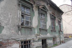 Peste 300 de proprietari de clădiri degradate sancționați pentru neîntreținerea imobilelor