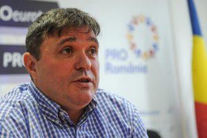 Deputatul Adrian Pau: Armata Română nu poate să aducă liniștea unei țări bulversate de decizii politice