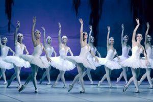 Celebra companie de balet din Kiev aduce Lacul Lebedelor la Timişoara