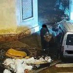 Trei bărbați, amendaţi cu 12.000 de lei după ce au fost identificați, pe baza imaginilor, abandonând deșeuri