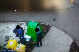 Timişorean amendat cu 3.000 de lei după ce şi-a aruncat WC-ul în stradă