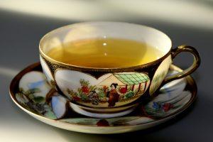 Ceaiuri care ajută la slăbit, scad grăsimile din sânge și alungă stresul