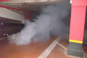 Nu vă speriaţi dacă vedeţi fum în parcări! Pompierii fac exerciţii