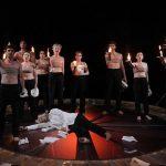 """""""Prometeu înlănțuit"""", un spectacol emblematic pentru perpetua luptă a omului cu multiplele forme de oprimare"""