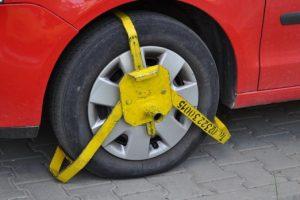 Centrele comerciale, somate de Primăria Timişoara să nu mai blocheze roţi în parcări