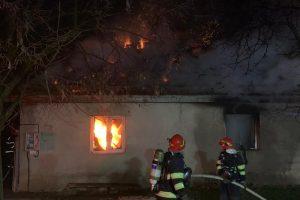 Au rămas fără casă, în urma unui incendiu