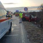 Şase accidente au avut loc în Timiş joi dimineaţă din cauza poleiului: un mort şi 9 răniţi