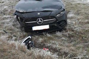 Un şofer a ajuns la spital după ce s-a răsturnat cu maşina pe Calea Urseni