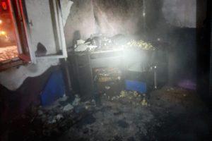 Incendiu la Găvojdia. Pompierii suspectează că focul a fost pus intenţionat