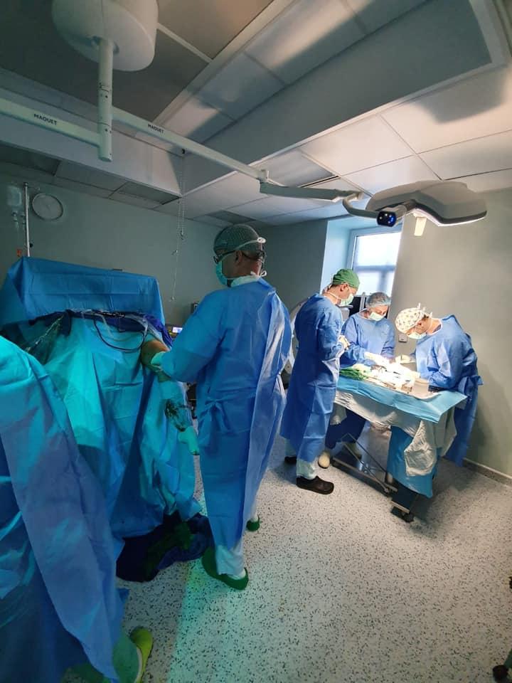 Operaţie dificilă la Spitalul Militar: transplant de os de la donator decedat