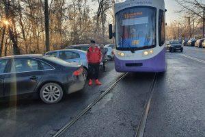 Amenzi maxime pentru şoferii care blochează liniile de tramvai