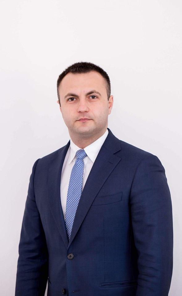 Coronavirus scoate din sertare legea depusă în 2019 de deputatul Marian Cucşa care prevede zile libere pentru părinţi în situaţia închiderii şcolilor