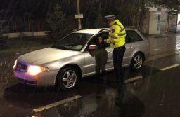 Tânăr fără permis, acuzat că i-a furat maşina mamei sale