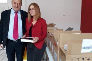 Elevii din Săcălaz primesc tablete de la Primărie