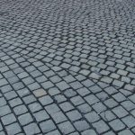 Cetățenii, invitați la dezbatere publică pe tema străzilor cu piatră cubică
