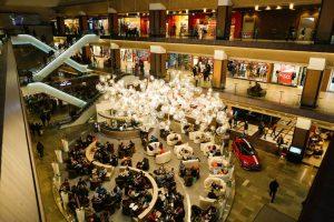 Căsătorii de o zi şi alte surprize la Iulius Mall