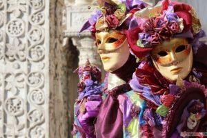 A început Carnavalul de la Veneția. Are o tradiţie de peste 800 de ani