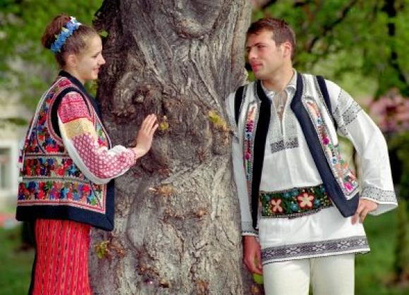 Ziua îndrăgostiților la români: DRAGOBETELE