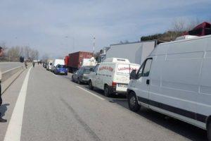 MAE: Atenţionare de călătorie în Grecia. Blocaje rutiere instituite de fermierii greci