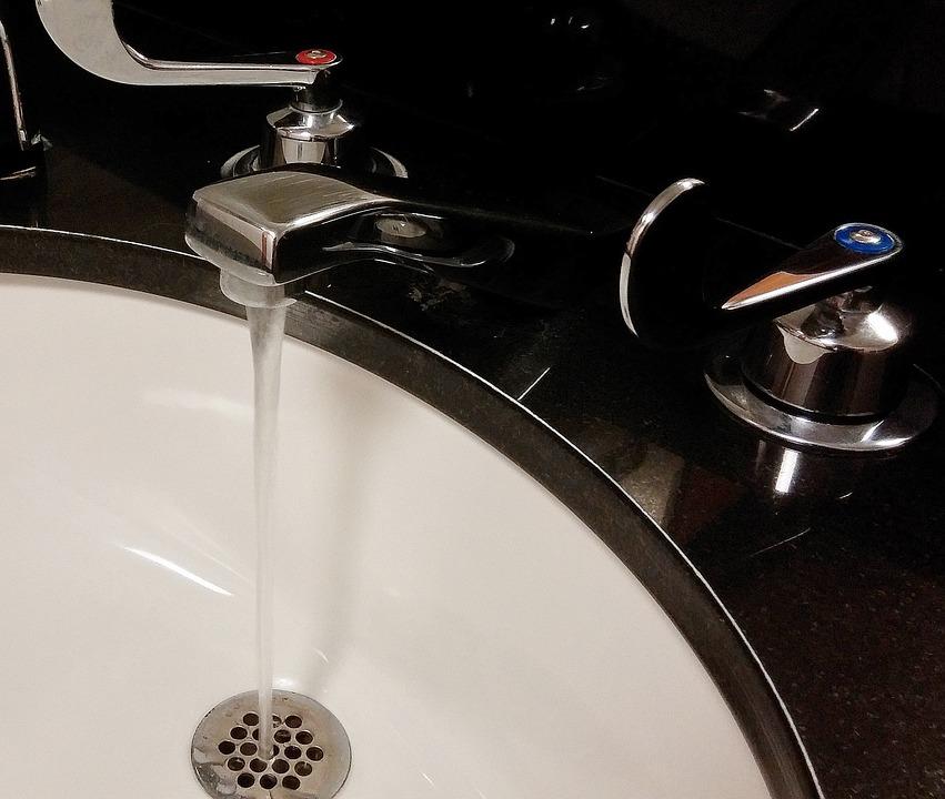 Comuna Jebel rămâne fără apă potabilă