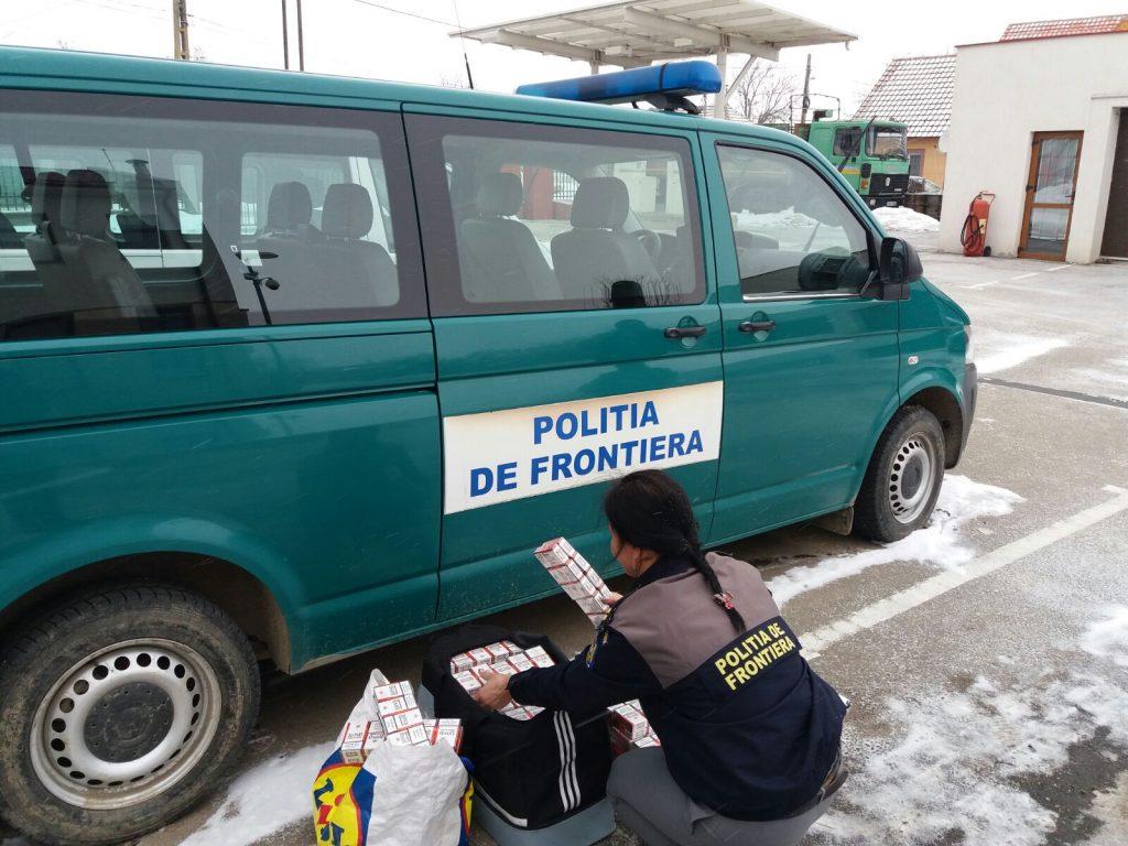 Ţigări netimbrate, confiscate de poliţiştii de frontieră mehedinţeni