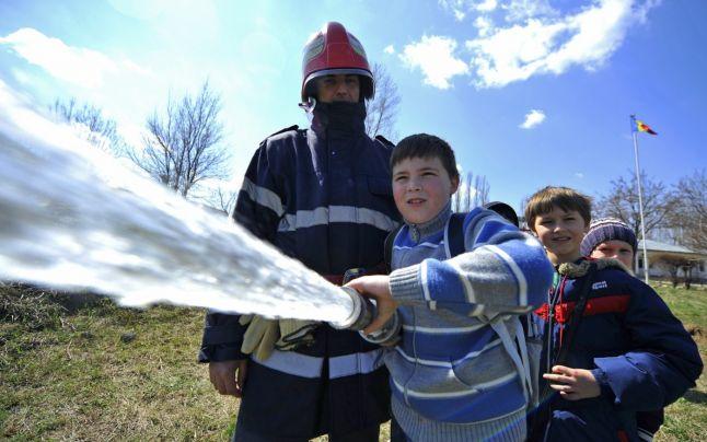Majoritatea școlilor din Timiș nu au autorizație de securitate la incendiu