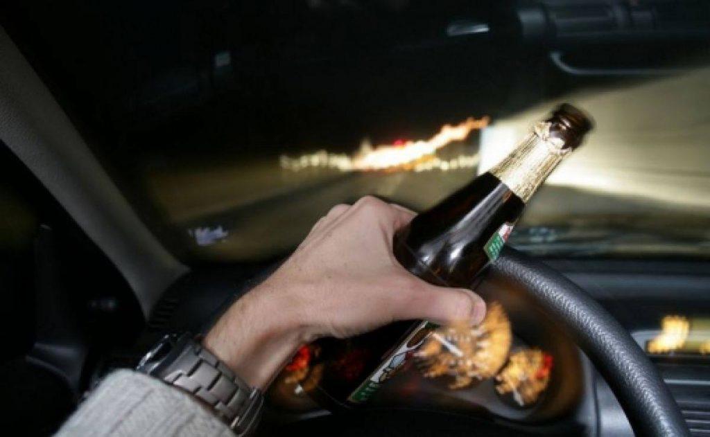 Dosar penal pentru un arădean care s-a urcat băut la volan