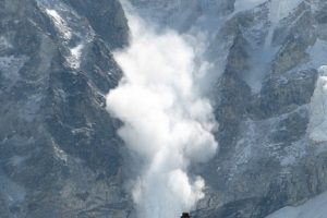Dosar penal în cazul avalanşei din Retezat. Trupurile copiilor au fost recuperate