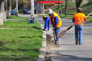 Atenție! Curățenia în jurul imobilelor de locuit sau unde munciți e obligatorie, la Timișoara