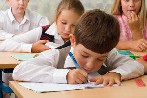 Înscrieri în învăţământul primar 2017. Câte locuri libere mai sunt în județul Arad