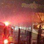 Incendiu de proporţii la Gemi Center din Arad. Acoperişul s-a prăbuşit