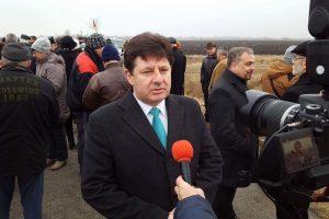 """Preşedintele Consiliului Judeţean Arad: """"Deşi banii sunt puţini, s-au dat echitabil şi nici o localitate nu a rămas fără finanţare"""""""