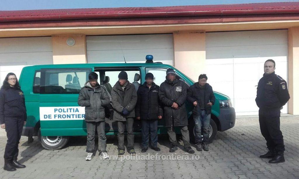 Încă 51 de migranți, opriţi la frontiera cu Serbia