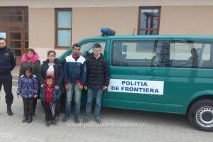 31 de migranți, opriţi la frontiera cu Serbia