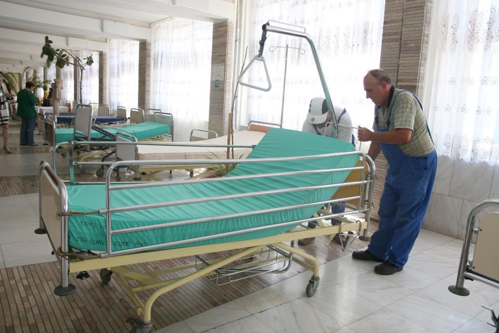 Guvernul a stabilit numărul de paturi din spitale pentru care se vor deconta serviciile medicale