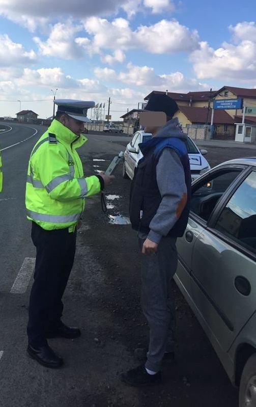 Zeci de şoferi din Timiş au devenit pietoni în weekend