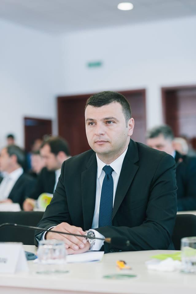 """Sergiu Bîlcea: """"Reabilitarea tronsonului de drum Arad-Buteni reprezintă una dintre marile provocări pe care mi le-am asumat"""""""