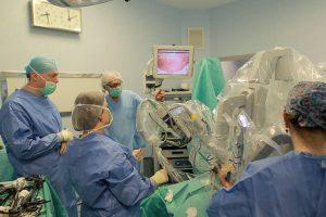 Premieră: Prima operație bariatrică cu robotul da Vinci