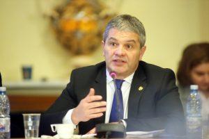 Universitatea de Vest din Timișoara va analiza situația ministrului Bodog, acuzat de plagiat