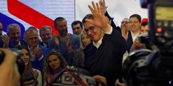 Proteste după alegerea lui Aleksandr Vucici în Serbia