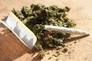 Jandarmii au depistat un timişean care se pregătea să fumeze canabis
