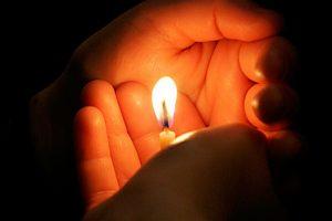 Ce să faci cu lumânarea după Înviere, când ajungi acasă